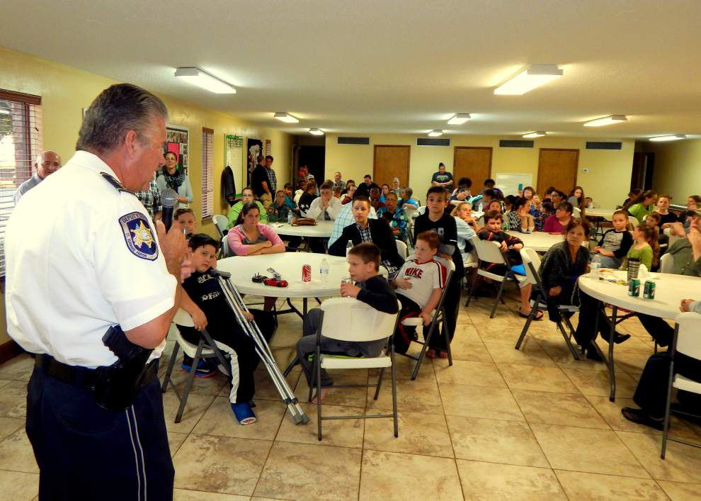 Parish Lines: St. Bernard neighbors turn out for night against crime _lowres