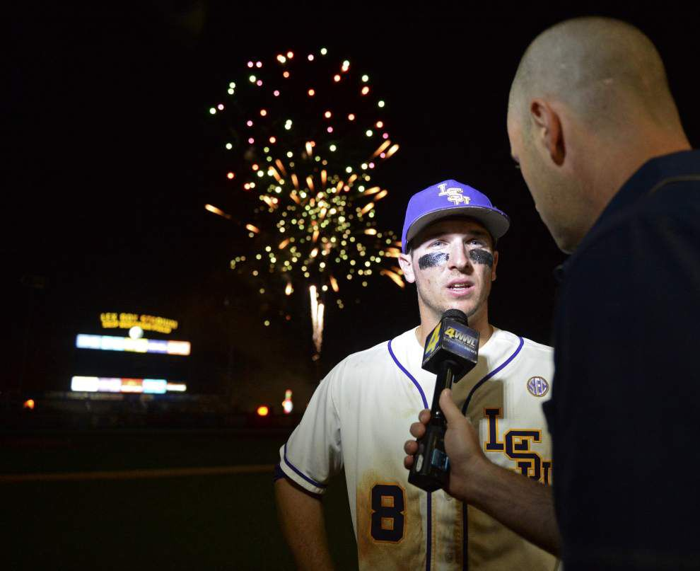 Replacement duty: In for Jared Foster, Danny Zardon hits homer, plays errorless as LSU beats Missouri 8-3 in series opener _lowres