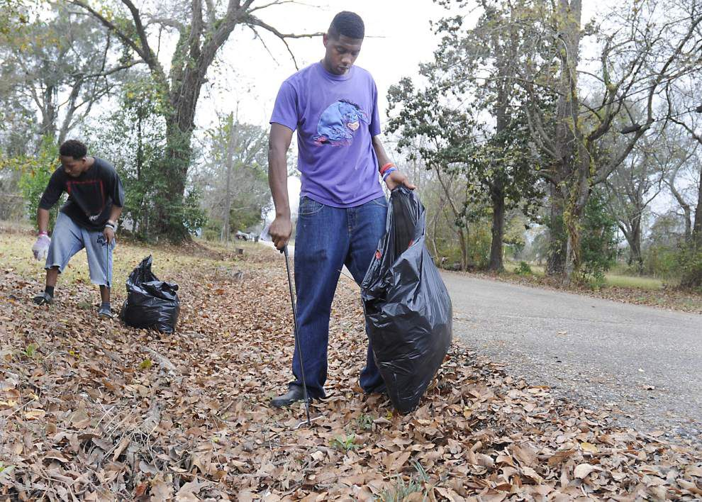 Photos: Zion City clean-up _lowres