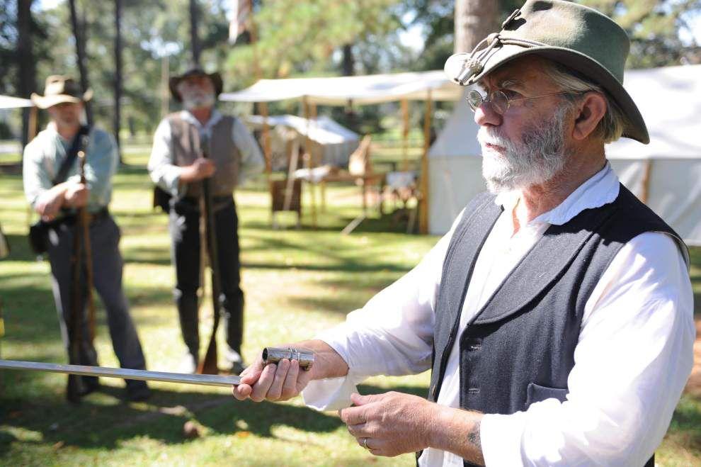 Militia life re-enacted at Jackson skirmish _lowres