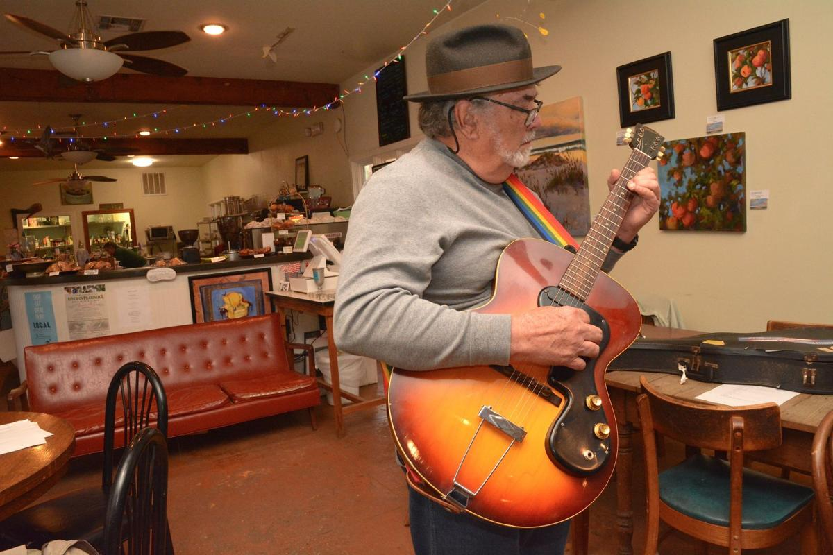 Jam Session at the Birdman Coffee and Books009.JPG