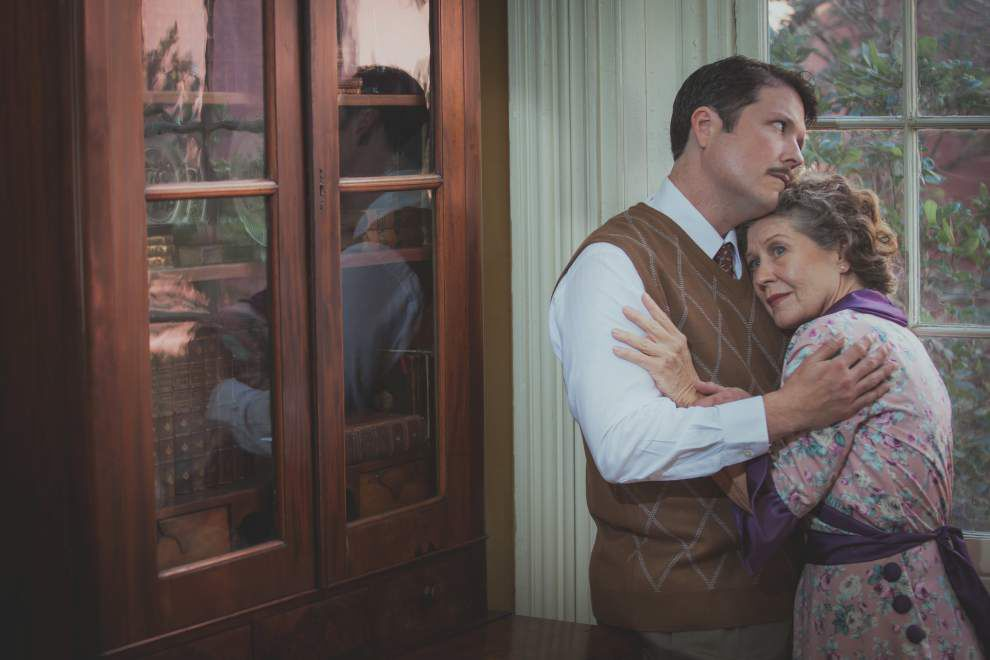 Review: Le Petit's 'Glass Menagerie' filled with longing and sorrow _lowres
