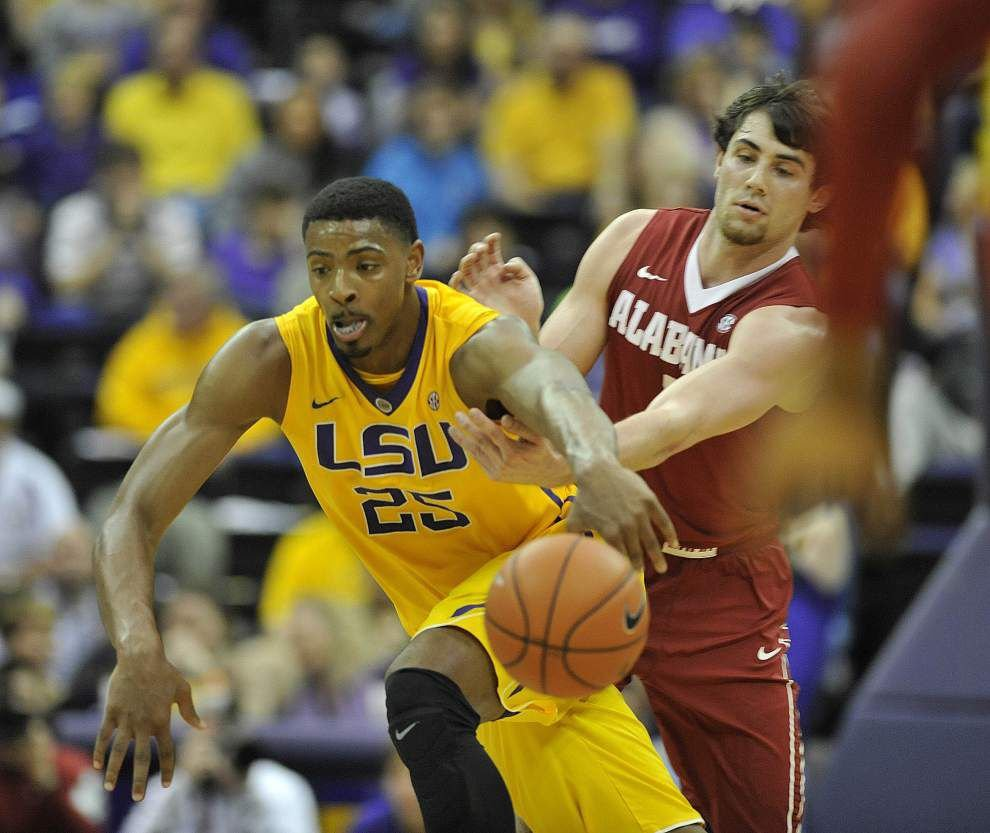 Lineup changes provide a bolt of energy as LSU men handle Alabama 71-60 _lowres