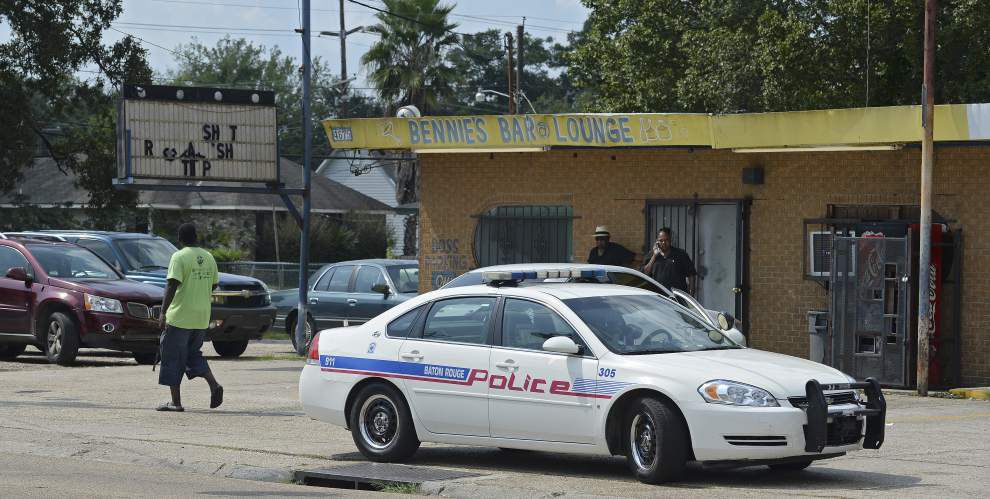 Man shot, wounded while walking on North Street _lowres