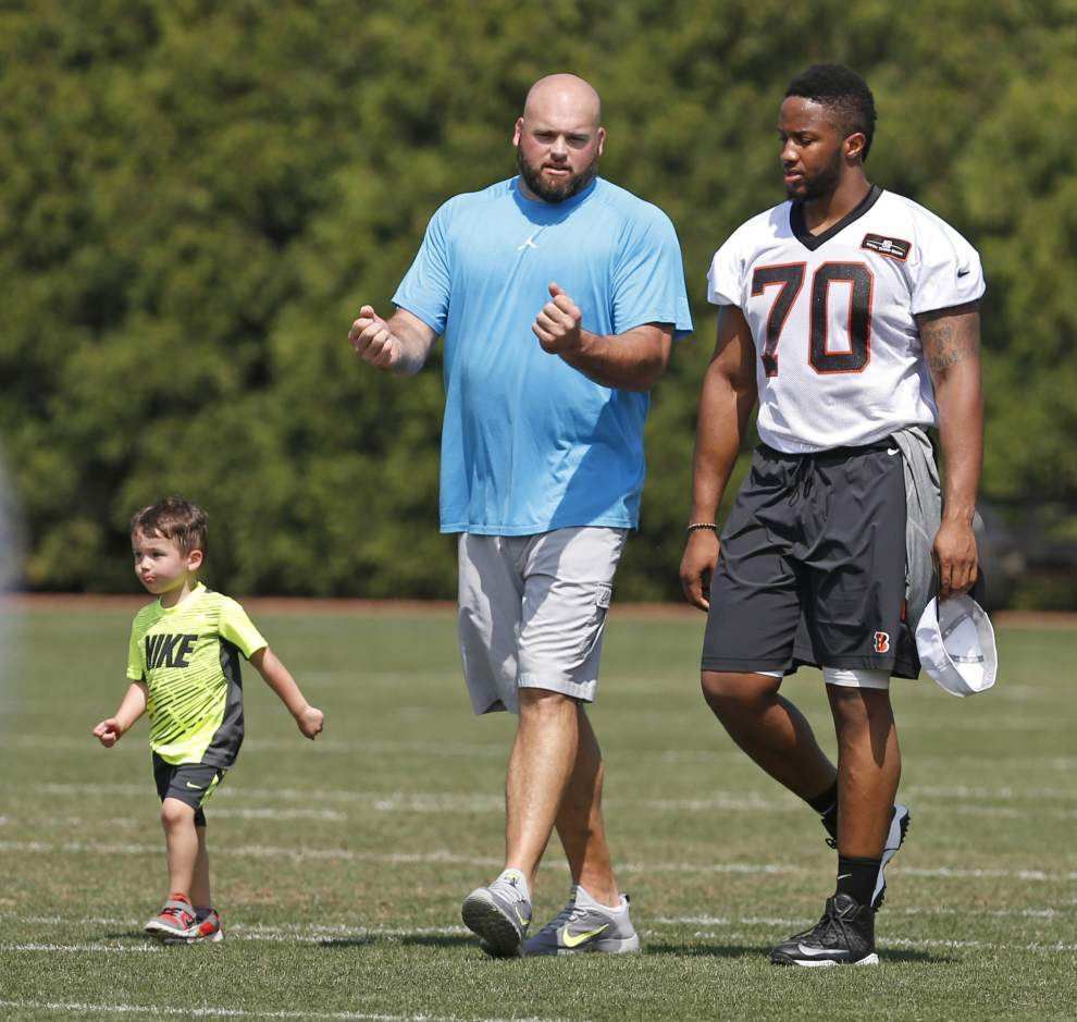 Whitworth talks to Bengals owners about future _lowres