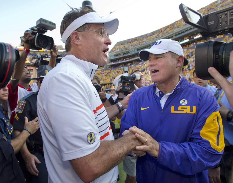 Live updates from LSU coach Les Miles' Monday press conference _lowres