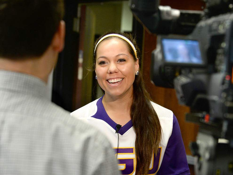 LSU softball team excited to hit road to California _lowres