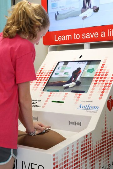 Airport Kiosks Teach Travelers Hands-Only CPR