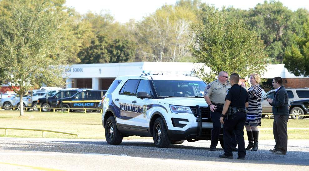 Acadiana High students return to class after evacuation for bomb threat _lowres