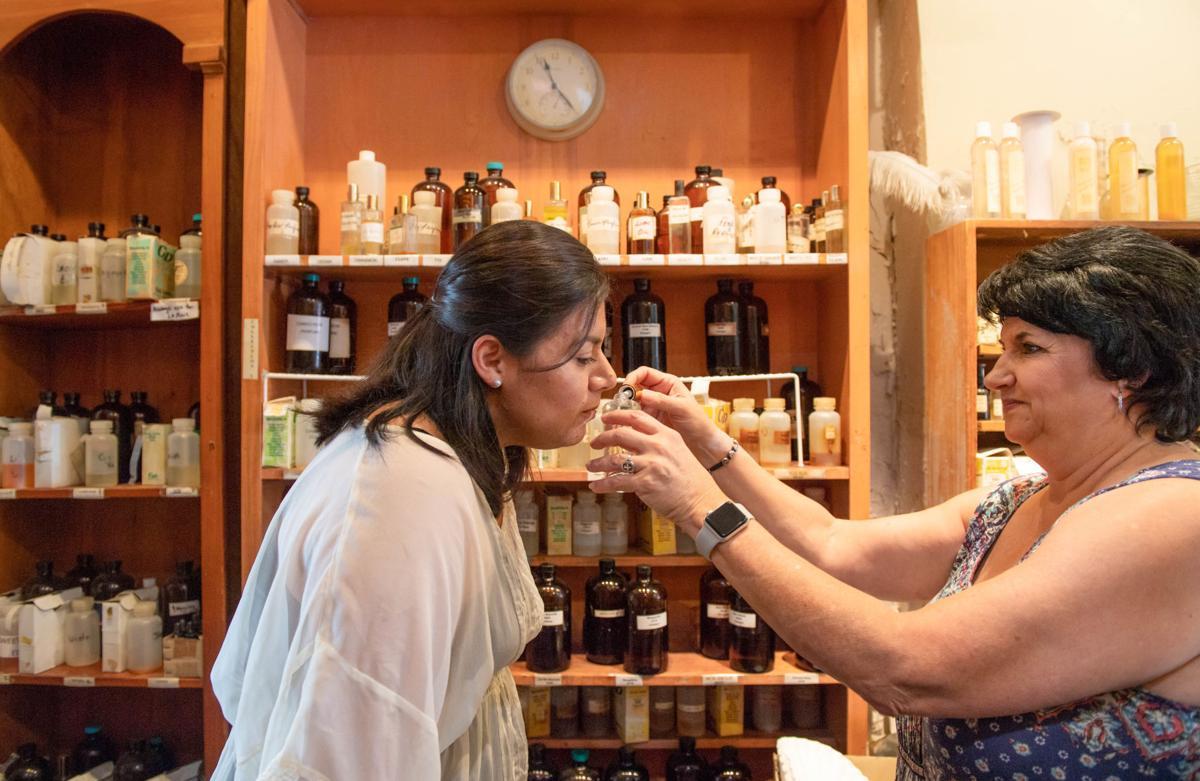 NO.perfumes.EPL cg 7