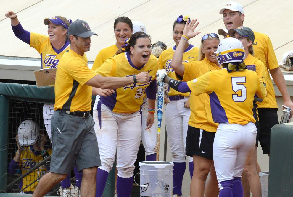 LSU softball's finally back on the road — to Oklahoma City for the Women's College World Series _lowres