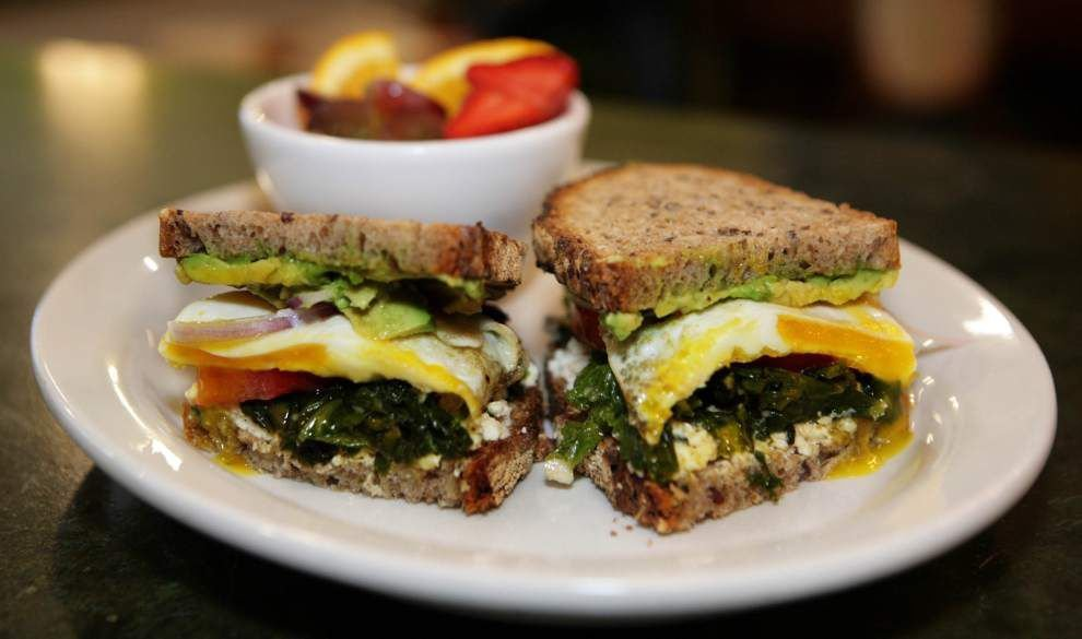 Revamped and reopened, Live Oak Cafe serves up live music at breakfast and lunch _lowres