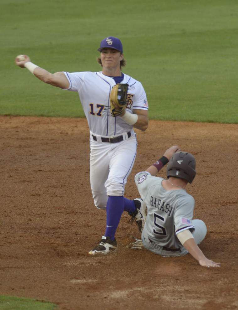 Danny Zardon delivers game-winning single in No. 1 LSU's 4-3 win over No. 2 Aggies _lowres