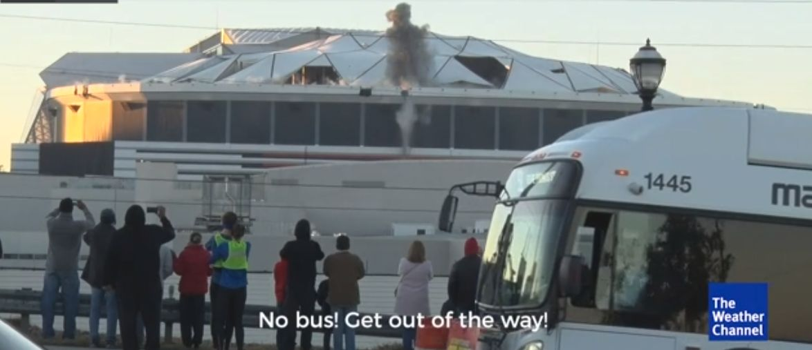 Georgia Dome Implosion Bus >> Video Atlanta Bus Blocks Perfect Shot Of Georgia Dome Implosion At