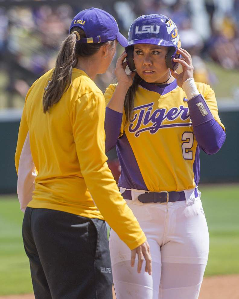 Experience on LSU's side against James Madison in NCAA softball super regional _lowres