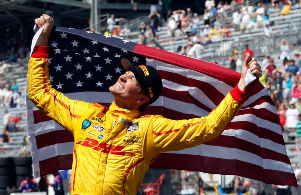 Indy 500's wild final laps go Hunter-Reay's way _lowres