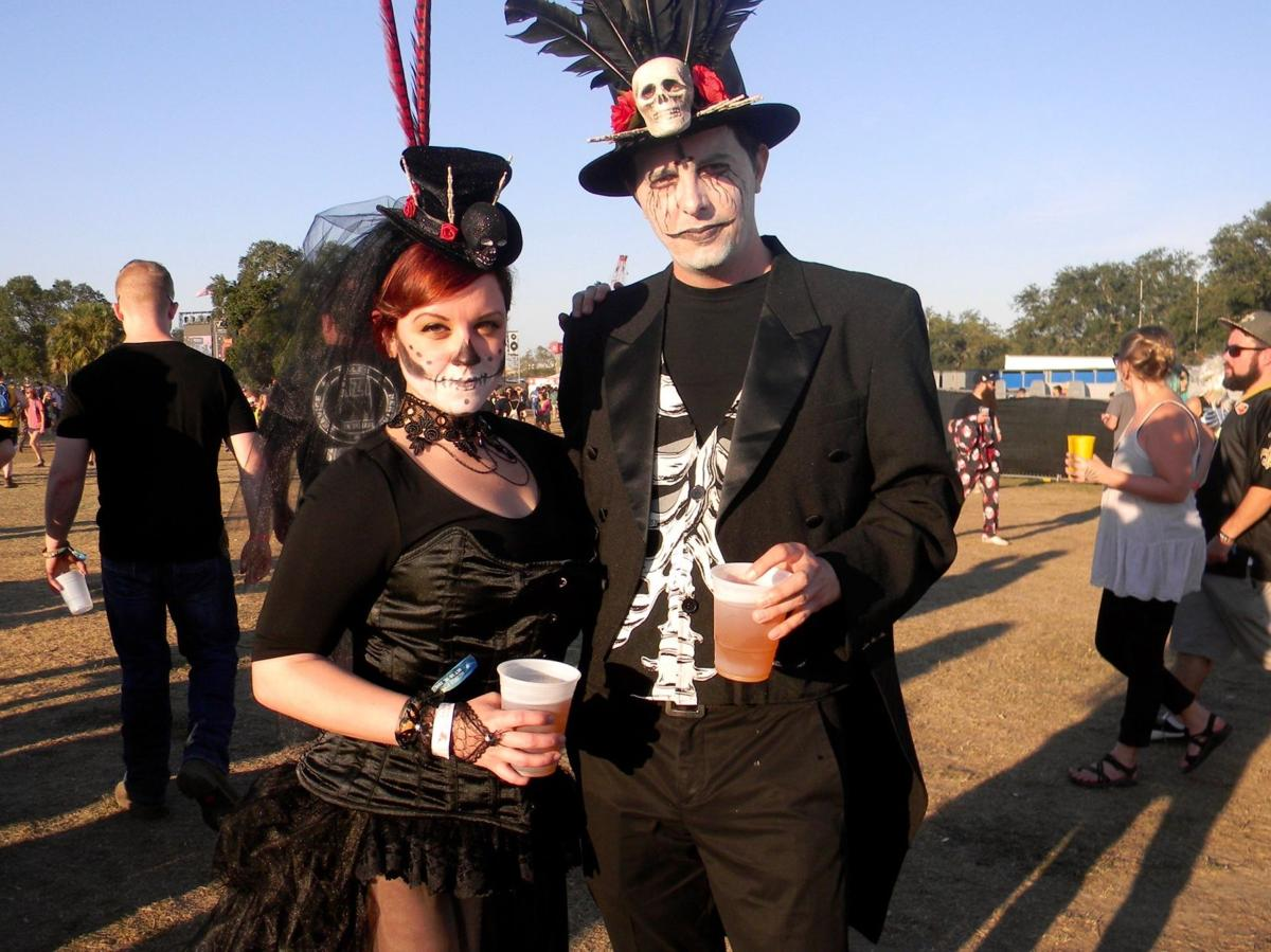 Slideshow: Voodoo costumes: glitter, clowns, skeletons_lowres