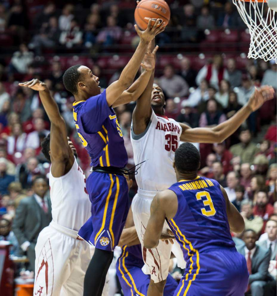 Late rally lifts LSU to a 72-70 victory and its first win at Alabama since 2004 _lowres