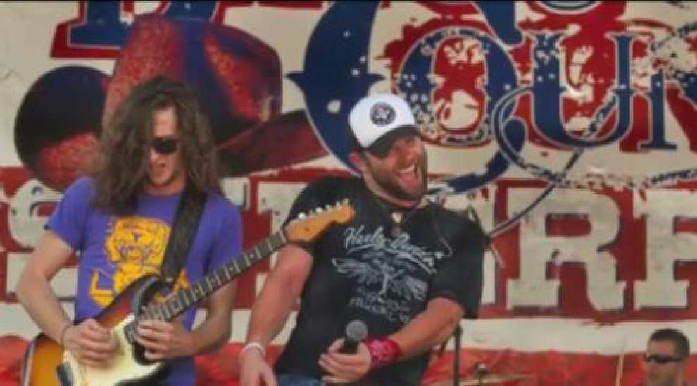 Video: Bayou Superfest performers, fans sing country favorites _lowres
