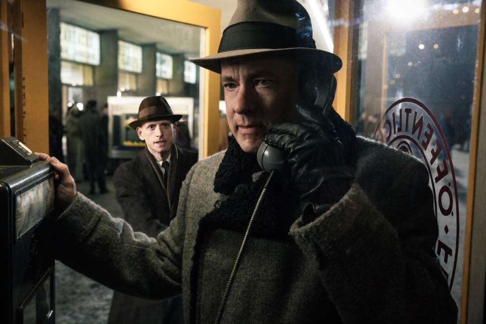 Review: 'Bridge of Spies' links Tom Hanks, Steven Spielberg again with passion, inspiration _lowres