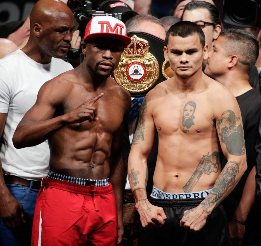 Floyd Mayweather Jr. works hard to sell payday _lowres