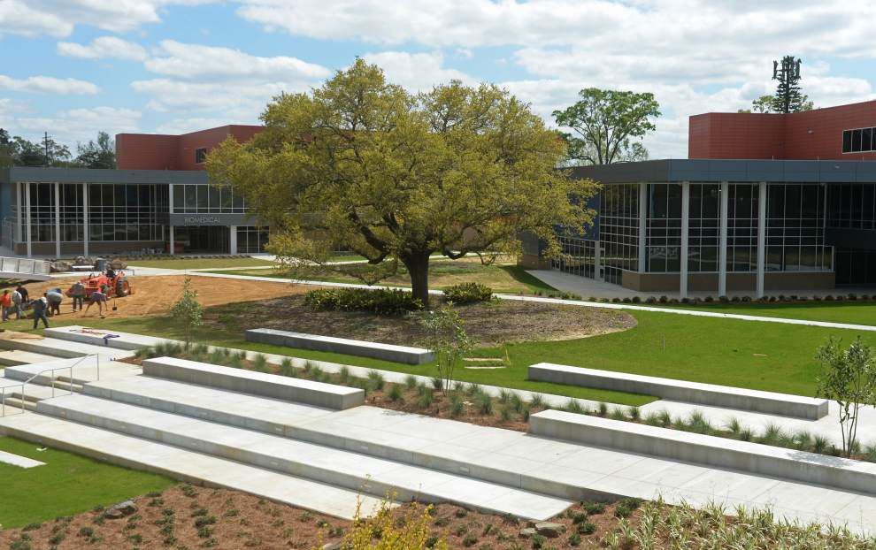 Excitement, curiosity growing as new Lee High School construction draws to an end _lowres