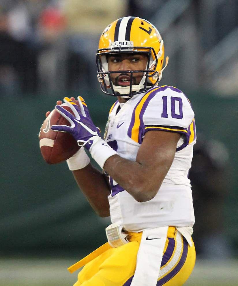 LSU quarterback Anthony Jennings plans to transfer _lowres