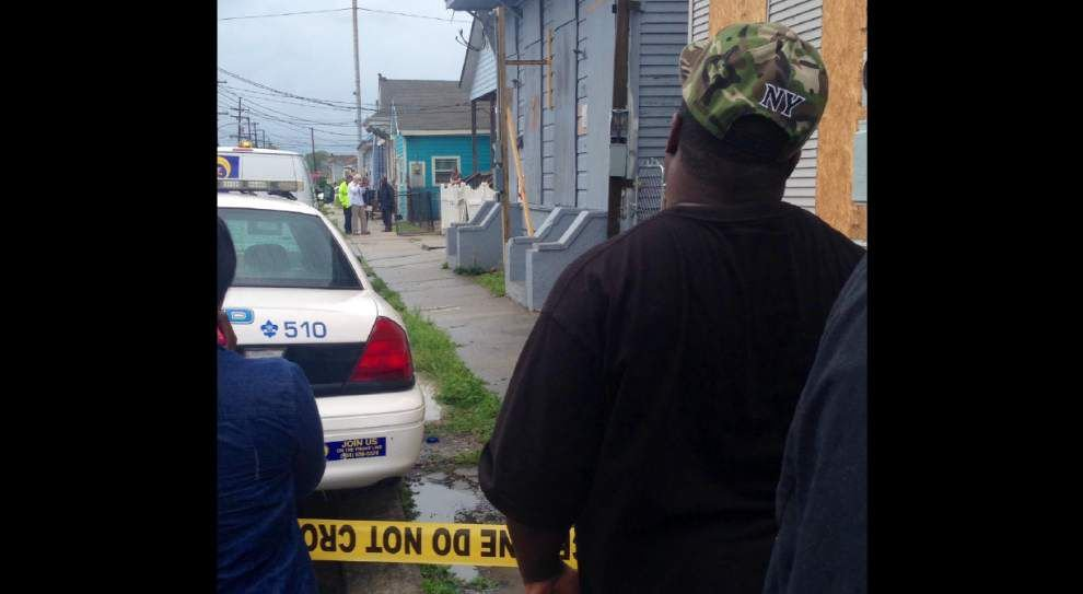 Man killed, woman wounded Friday in 8th Ward _lowres