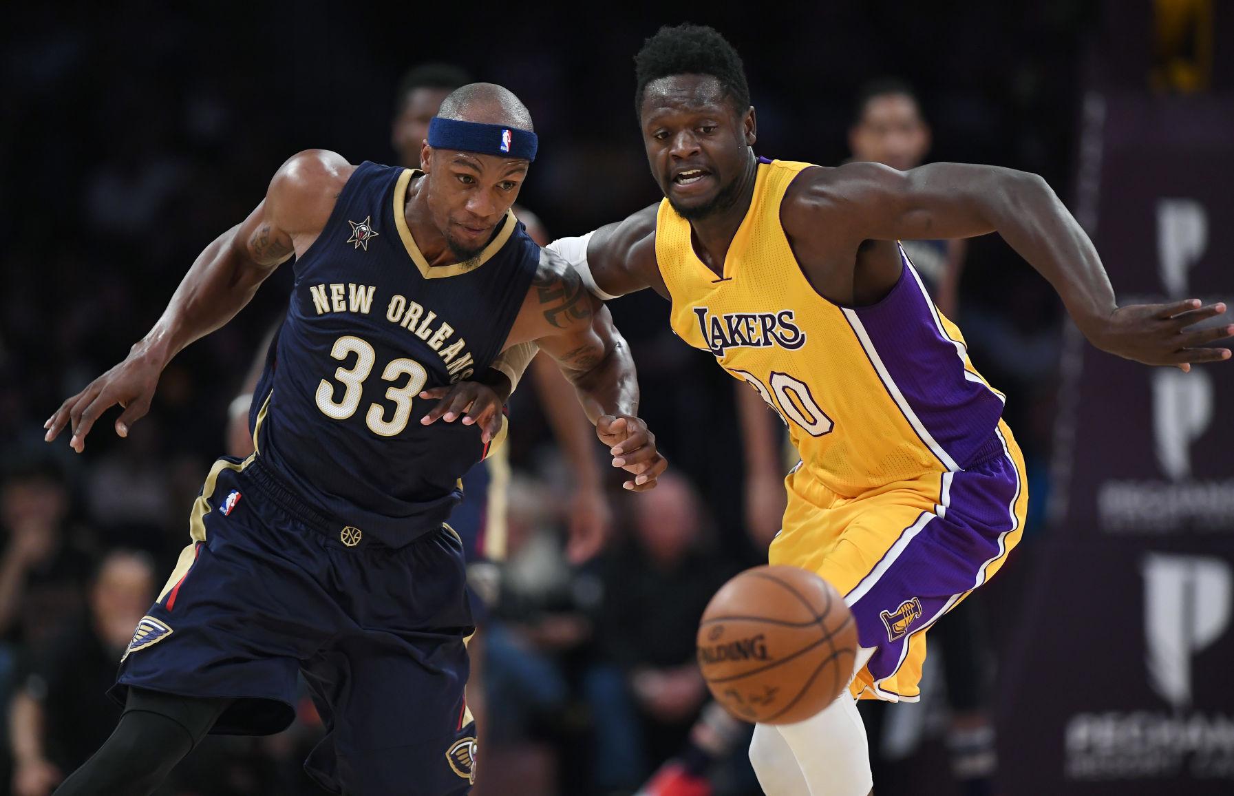 Pelicans bringing back forward Cunningham