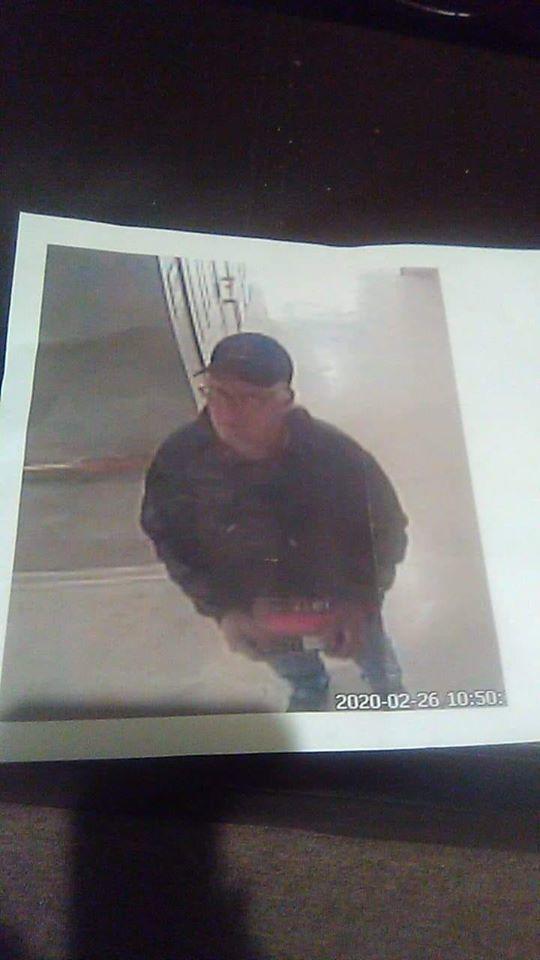 Photo of suspect seen with Joyce Thomas.jpg
