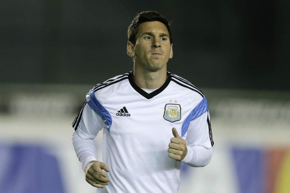 It's magical Messi vs. united Germany in World Cup final _lowres