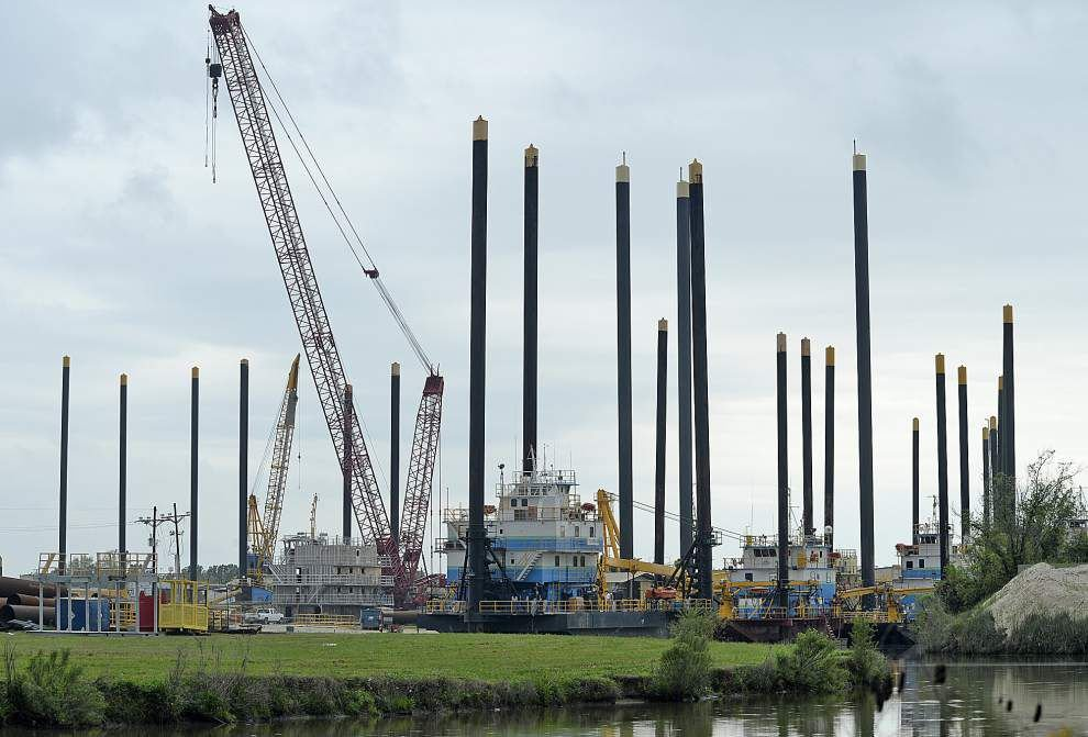 Barges sit idle, Louisiana workers furloughed as oil price drop hits home _lowres