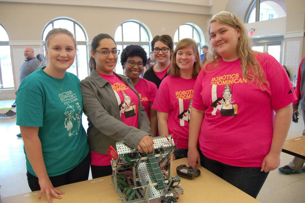 Dominican robotics team enters competition _lowres