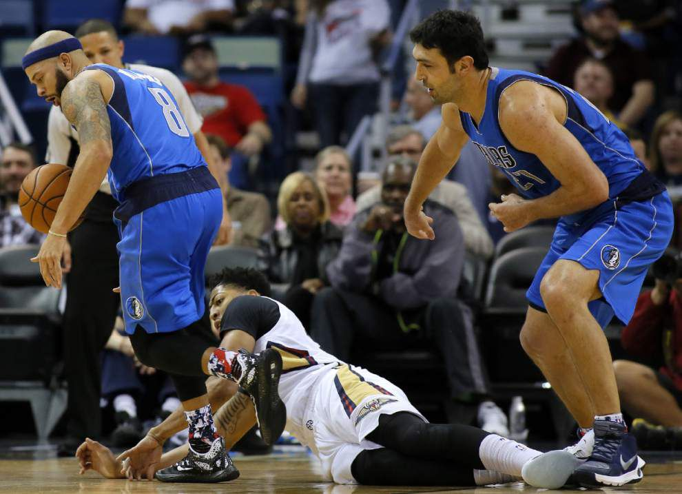 Pelicans' Anthony Davis doubtful against Atlanta Wednesday after suffering hip contusion _lowres