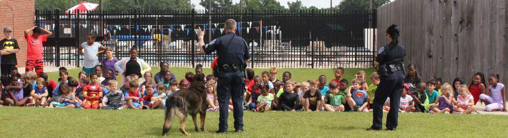K-9 shows off his skills at Zachary YMCA camp _lowres