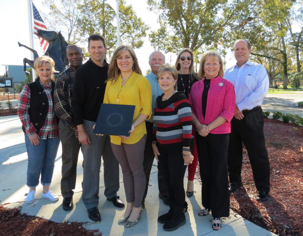 Rotary recognized for youth park plantings _lowres