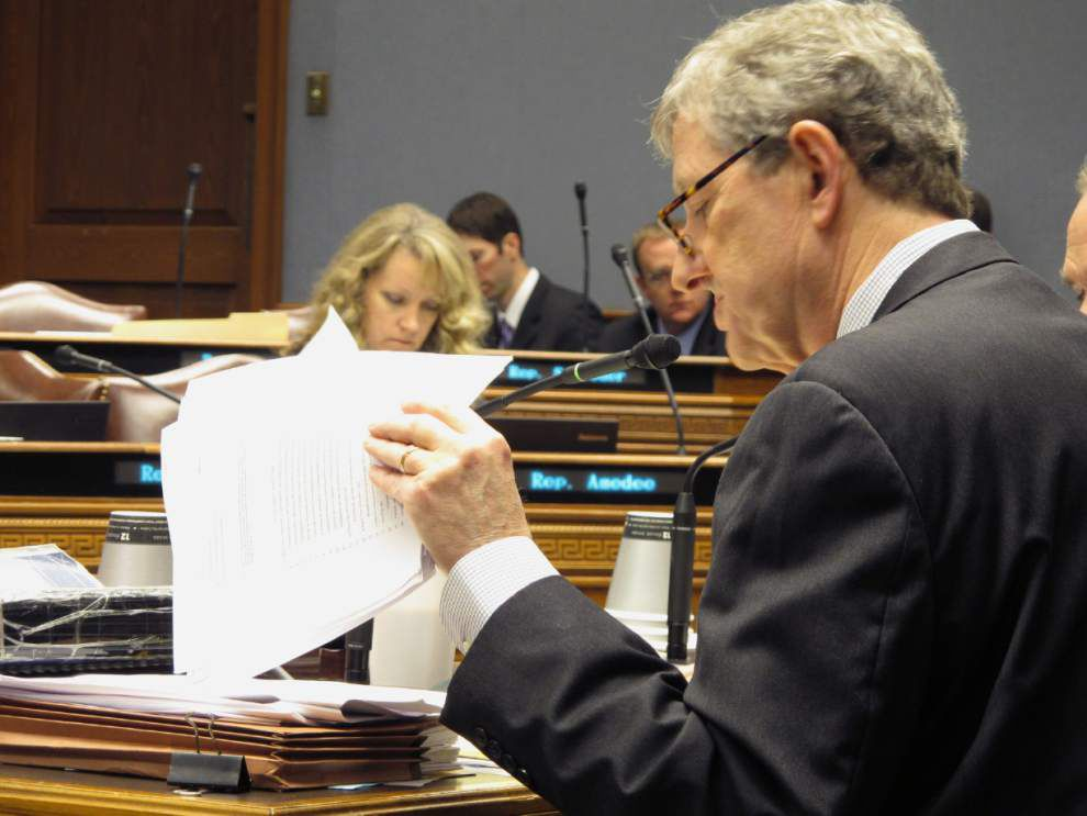 One way to help close Louisiana budget gap: Lawmakers eye contracts for savings _lowres