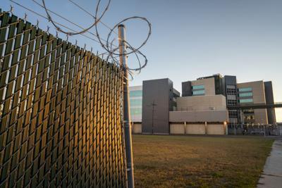 NO.jail.120820_11.JPG