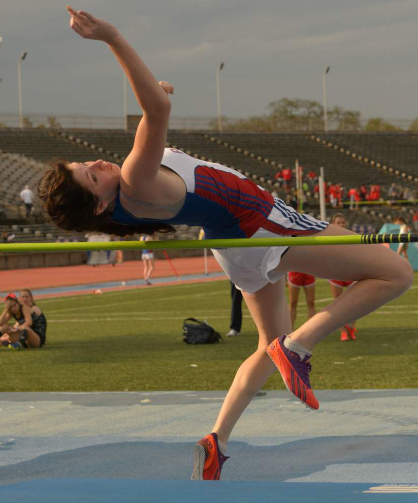 Led by shot-putter Devin Savwoir, John Curtis boys lead Sugar Bowl Track and Field Classic _lowres