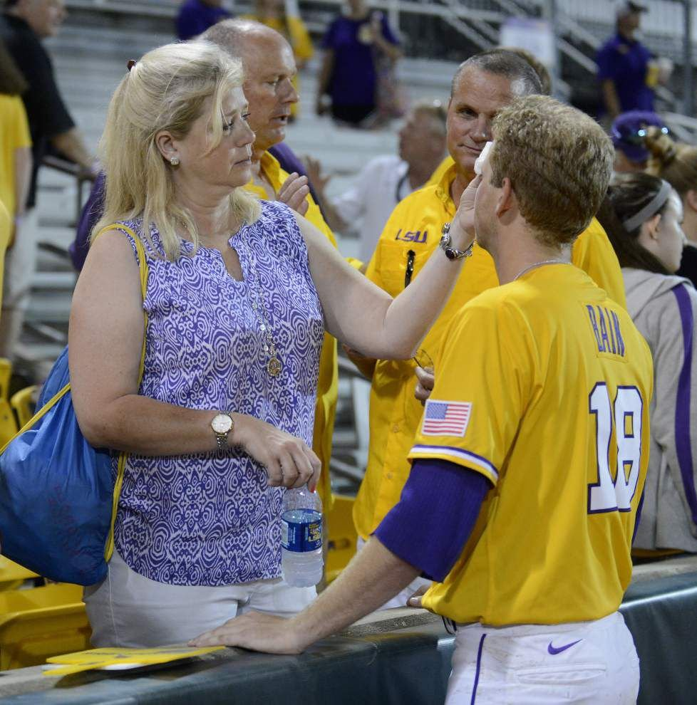Photos: Big crowd, big plays, but LSU falls to Rice in baseball regional action _lowres