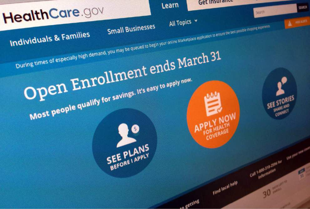 Health care website stumbles with technical issues on last day _lowres