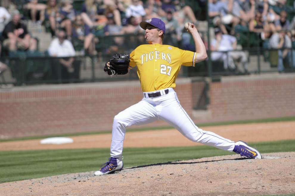 Parker Bugg's brilliance buoys the surging LSU offense in a 10-5, series-clinching win at Auburn _lowres