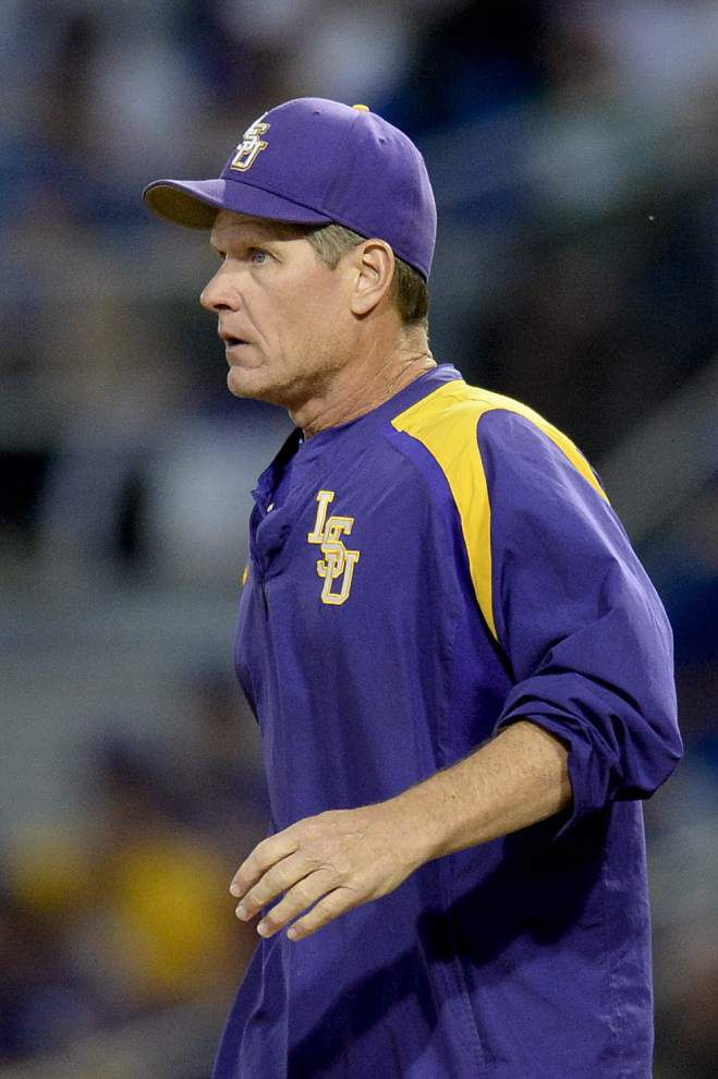 'We know that's not who we are as a pitching staff': LSU pitching coach Alan Dunn preaches fastball command after walk-filled Wednesday loss _lowres