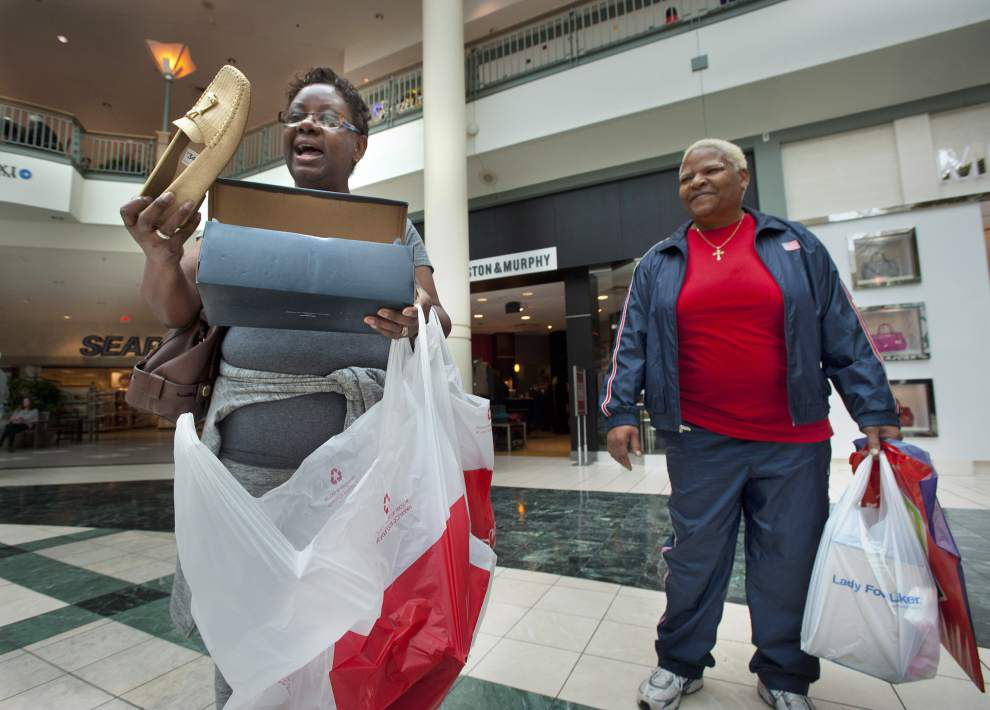 Post-Christmas shoppers score sales at Baton Rouge boutiques, mall _lowres