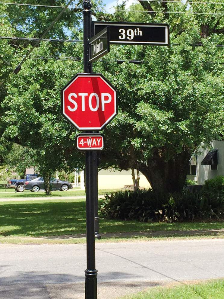 Street sign beautification efforts underway _lowres