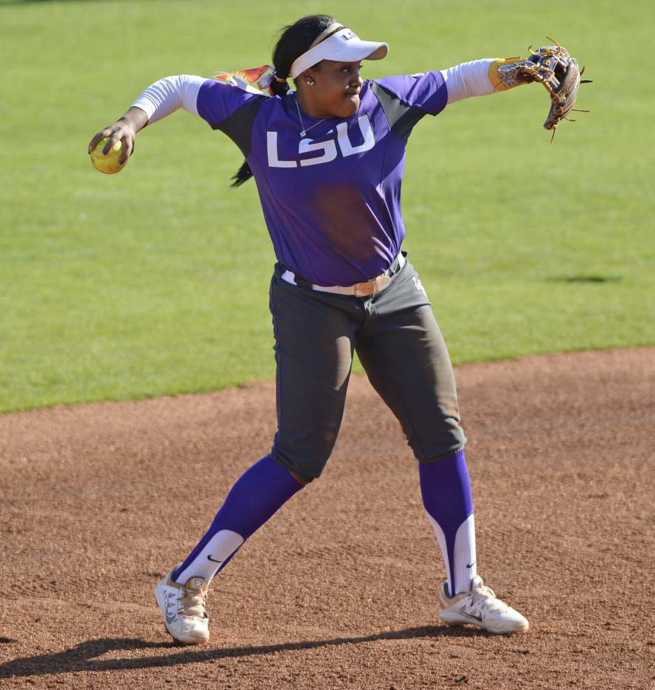 'The old Bianka' — LSU softball star Bianka Bell, once in a slump, is back in the swing of things _lowres