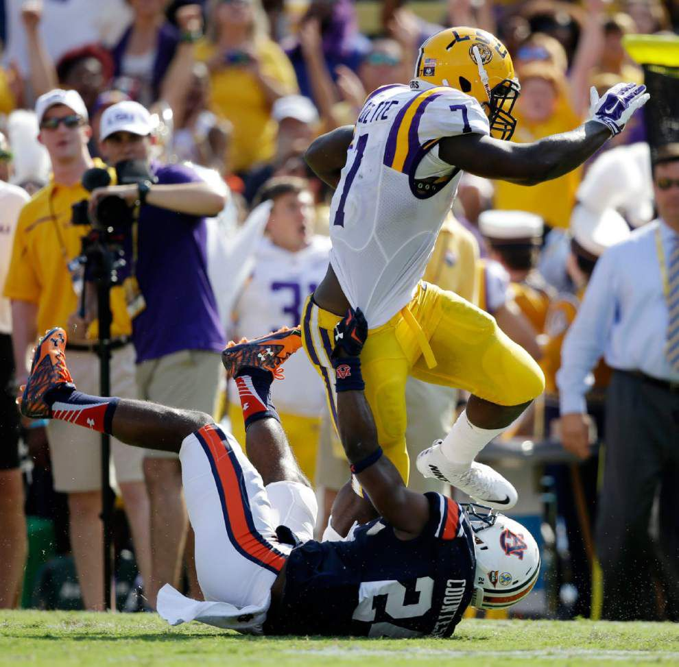 Auburn defensive back looks to 'get up and play' after being run over by LSU running back Leonard Fournette _lowres