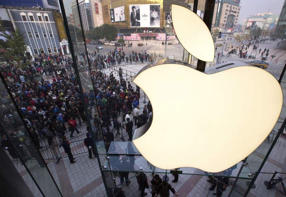 Apple's stock split a boost _lowres