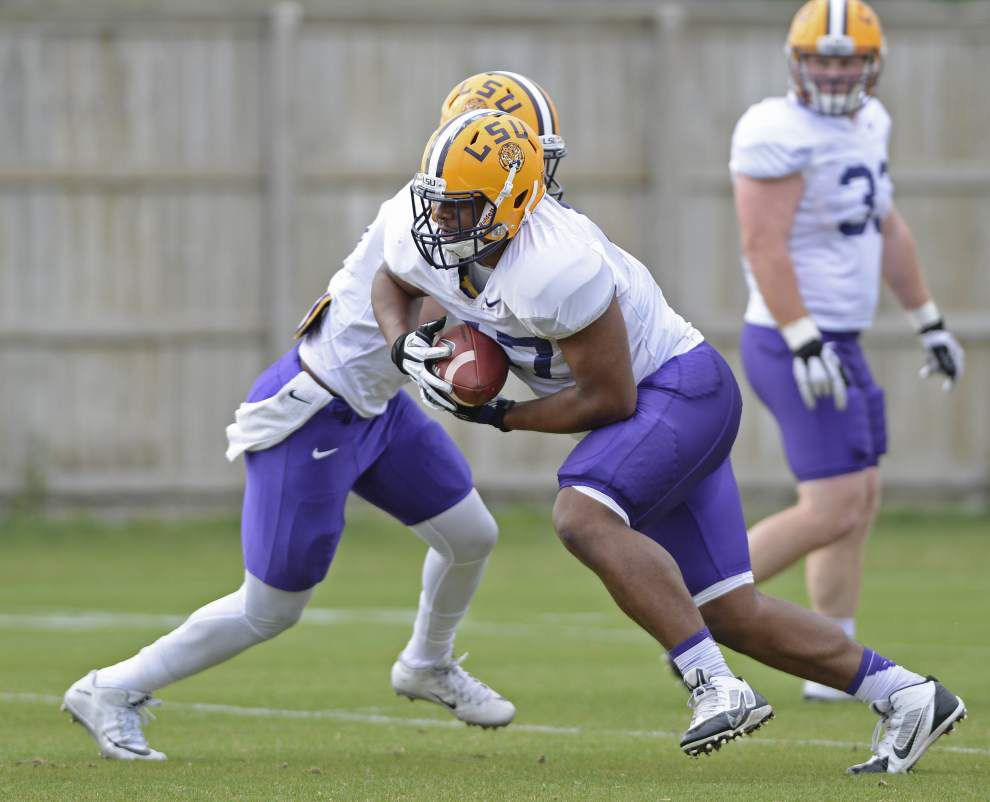 LSU Spring – Practice Observations, Day 7: Dylan Moses watches, Big Cat returns, Starting offense _lowres
