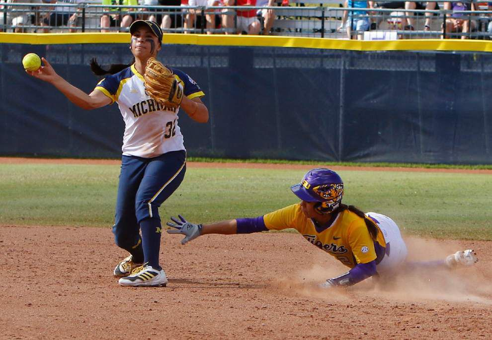 Breaks go against Lady Tigers AT WCWS _lowres
